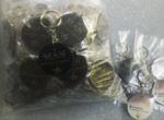 Giao 200 móc khóa mica hình tròn cho Mẫn Salon